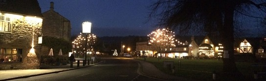 Late-night-christmas-shopping-Broadway-Cotswolds-Worcestershire