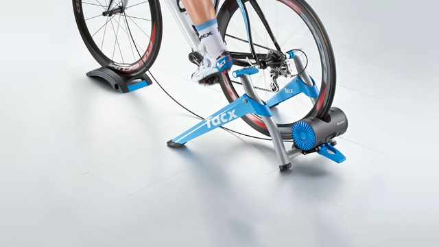 t2500_booster_best_ultra_high_power_turbo_trainer_action_header-1-1 (1)