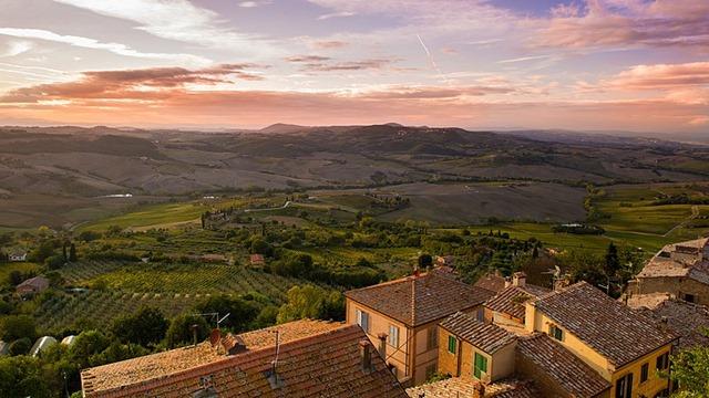 800px-Tuscany_landscape_view_skyline