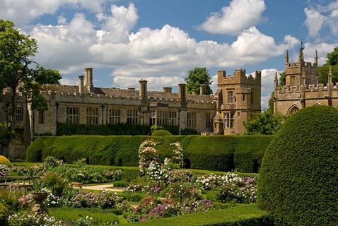 Sudeley-Castle-garden-5