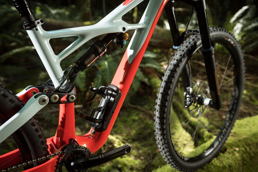 2017-Specialized-Enduro-Mountain-Bikes-3