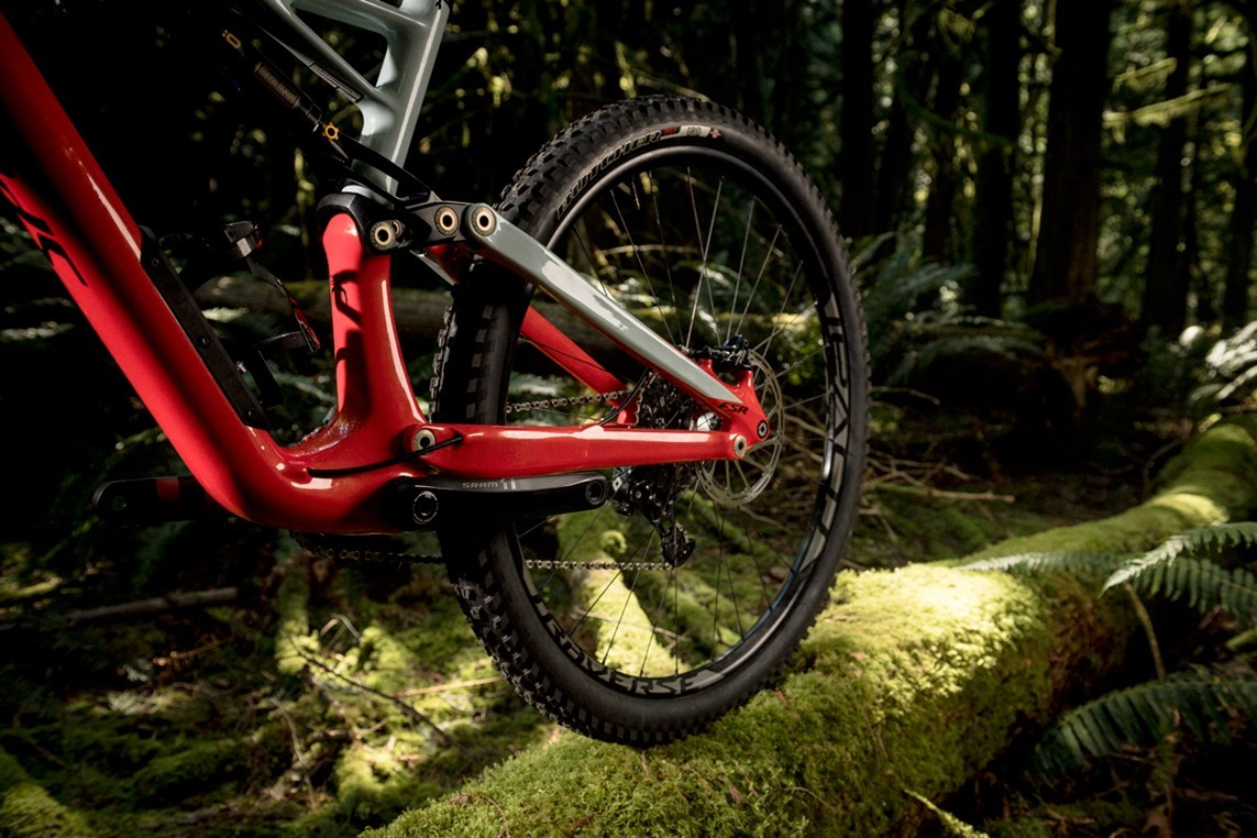 2017-Specialized-Enduro-New