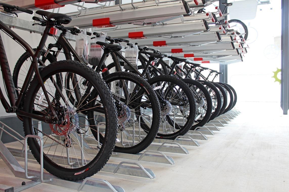 Leisure-Lakes-Bikes-Preston-Hub-10
