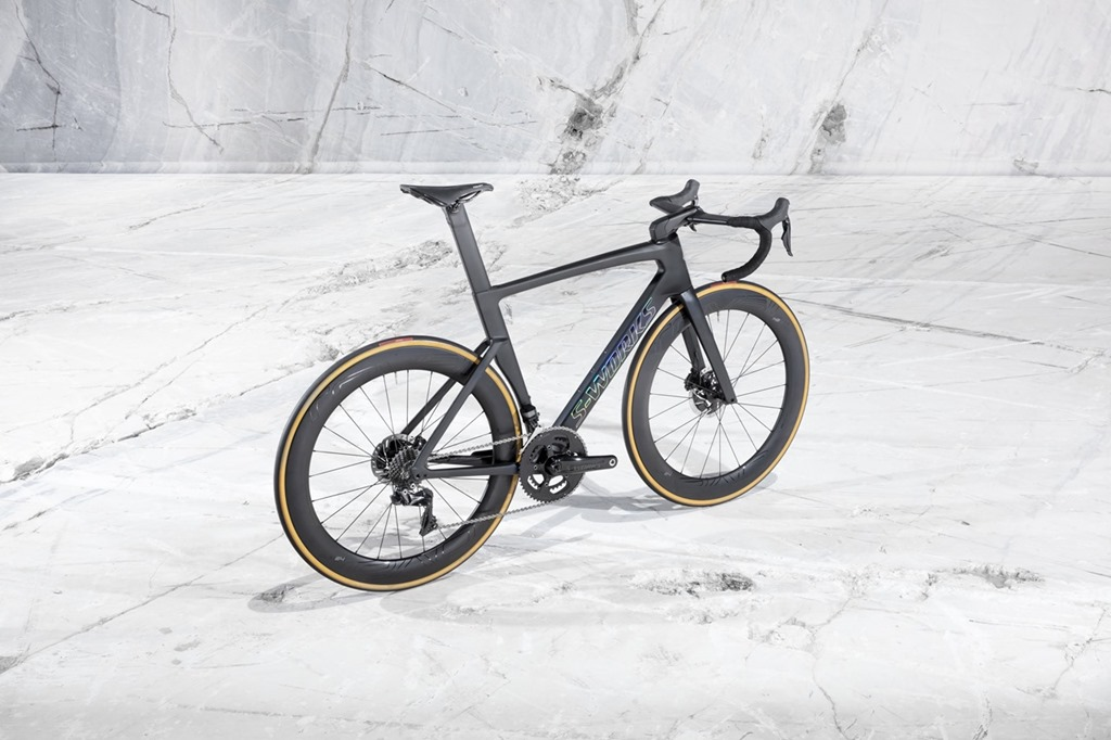 7dcf671484c 2019 Specialized Venge Disc - The New Shape of Speed