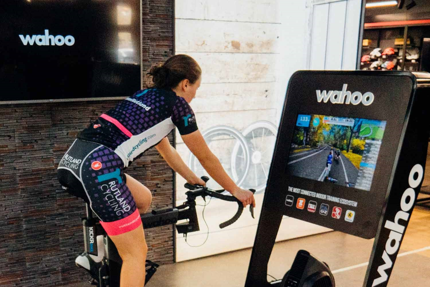 Zwift-Side-Wahoo-1
