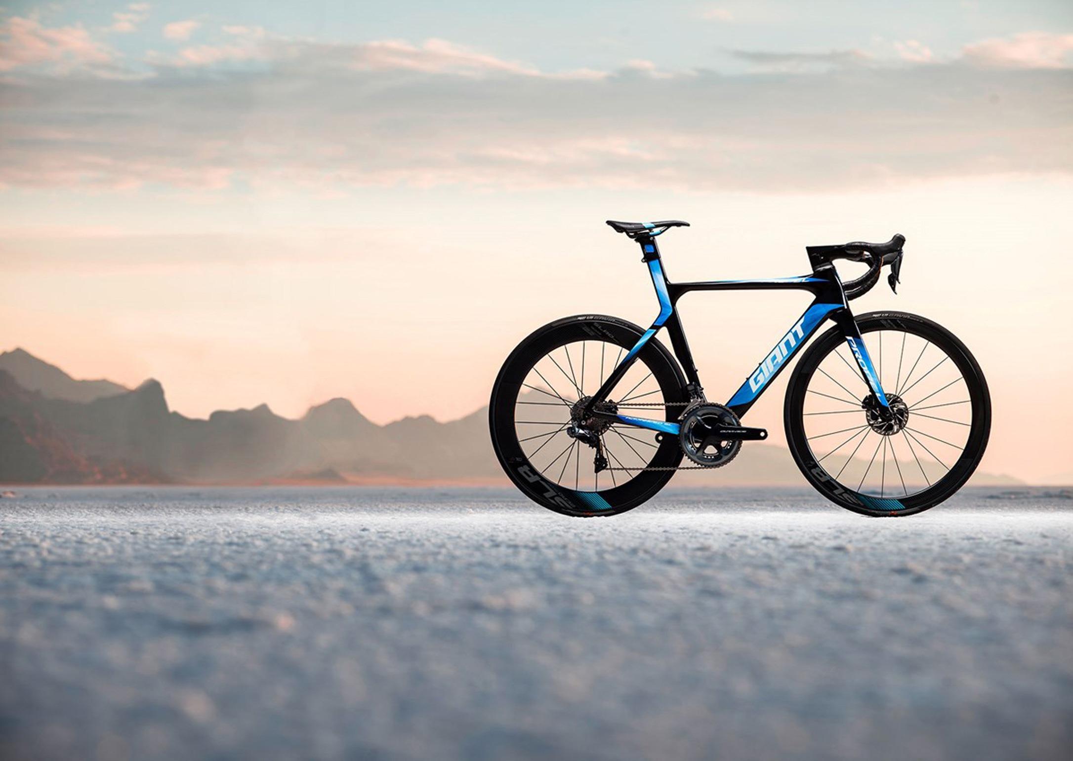 giant-road-bike-aero-road-bike-carbon-2
