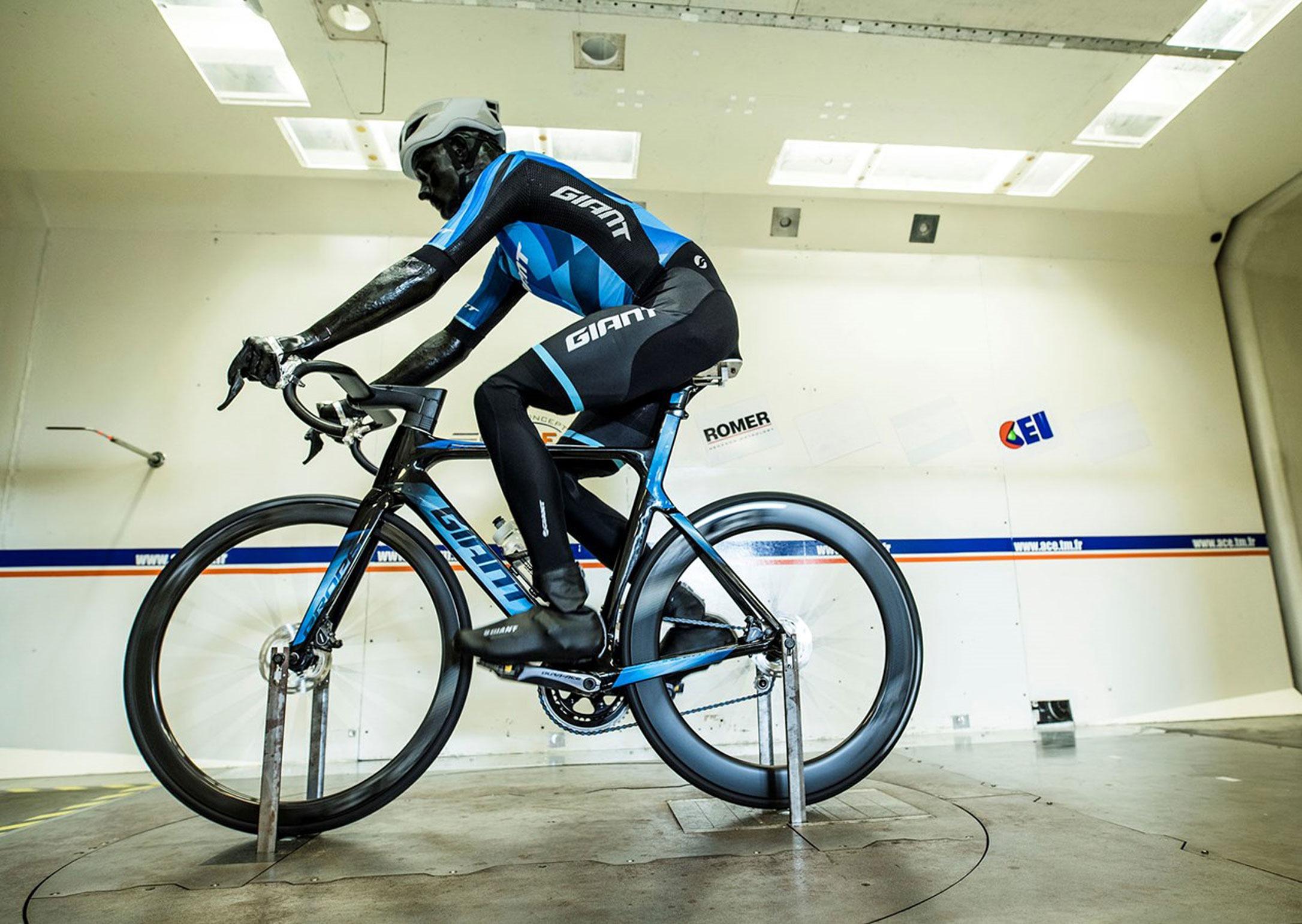 giant-road-bike-aero-road-bike-carbon-4