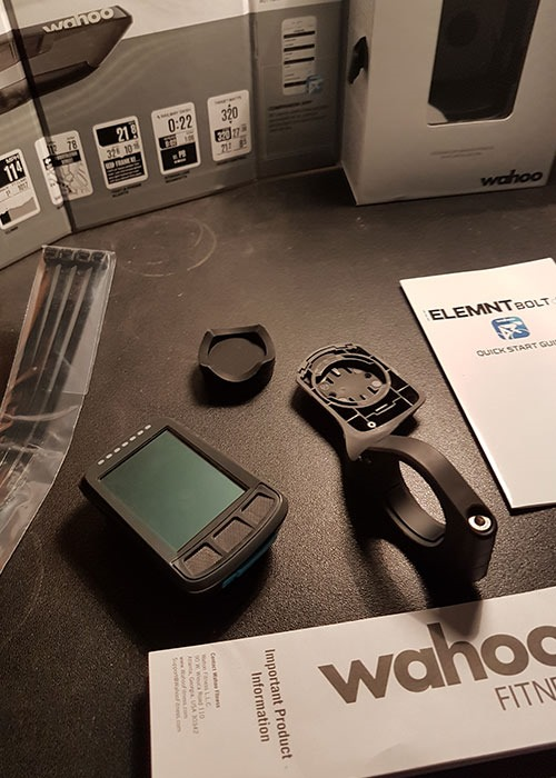 unboxing-Wahoo-elemnt-bolt-review