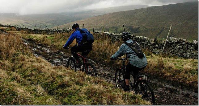 muddy-mountain-biking_thumb1
