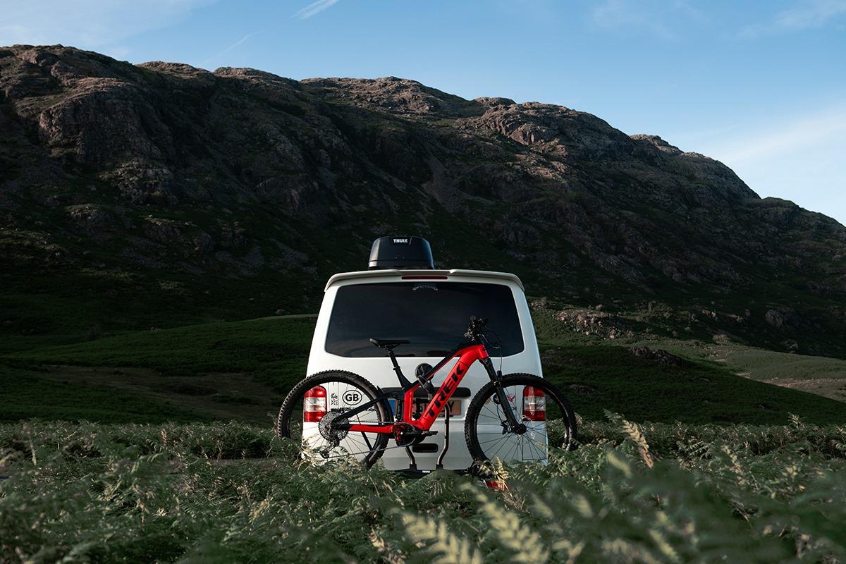 Cover Image E-Bikes